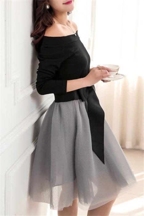 一字领上衣+蝴蝶结系带半身裙