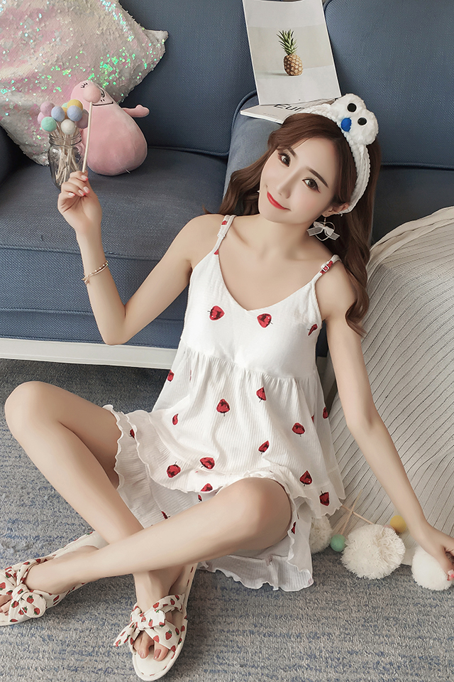 睡衣女夏季吊带套装纯棉甜美可爱性感带胸垫时尚宽松草莓少女加大码两件套家居服