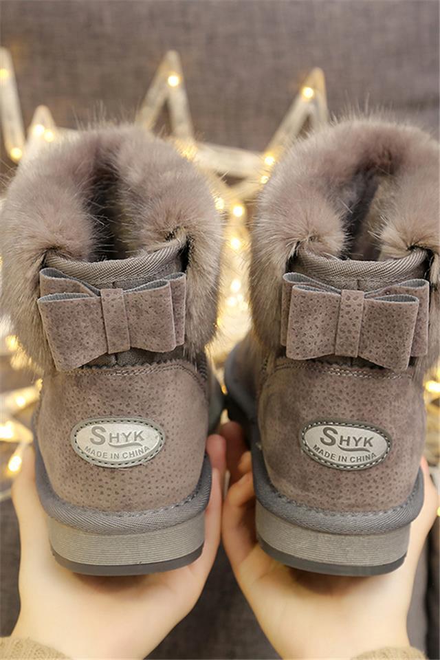 2020新款网红雪地靴冬季短筒学生靴加绒短靴雪地棉鞋平底面包女靴