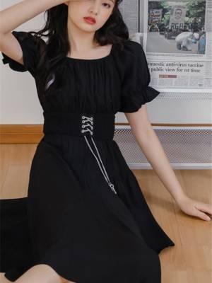 【飘姐姐_】法式黑色不规则连衣裙复古新款夏裙子方领泡泡袖一字肩收腰小黑裙