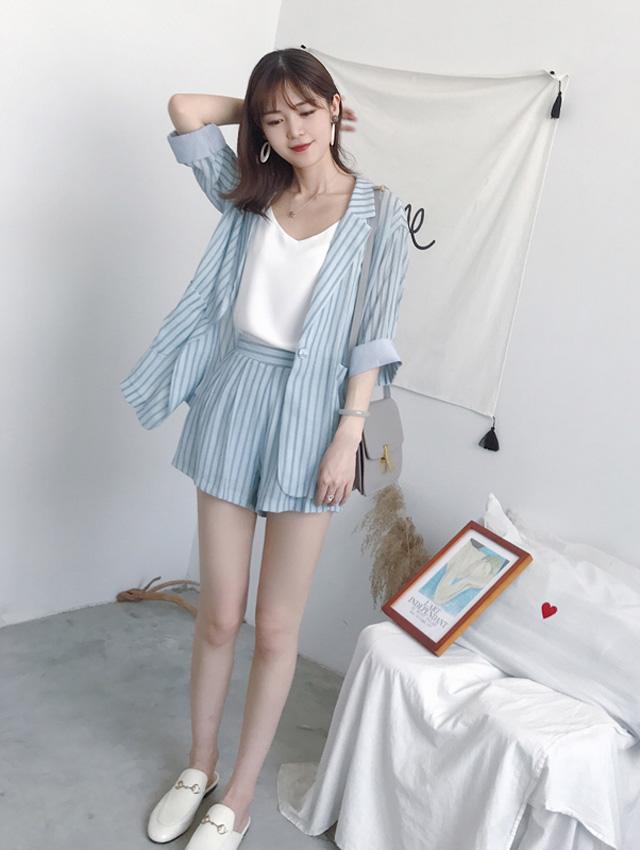 Blue stripes (coat + shorts + sling)