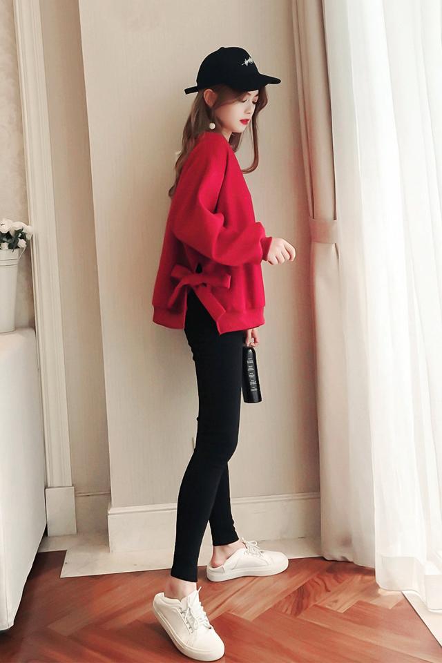 蝴蝶结系带开叉红色套头卫衣女+黑色紧身打底裤套装两件套女