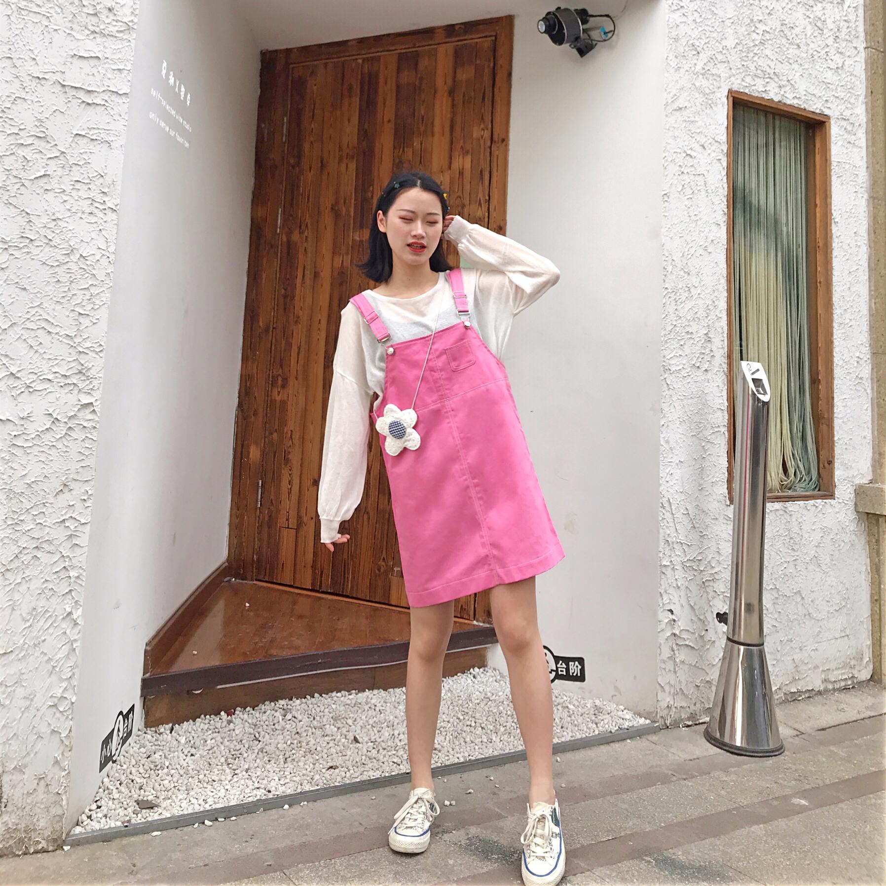 #六一我的节,最减龄穿搭!#今日份糖果色南瓜🍬 衣柜第一条芭比粉的裙子 比我想象好看呀 里面搭配了白色网纱长袖干净舒服 简直是减龄💯