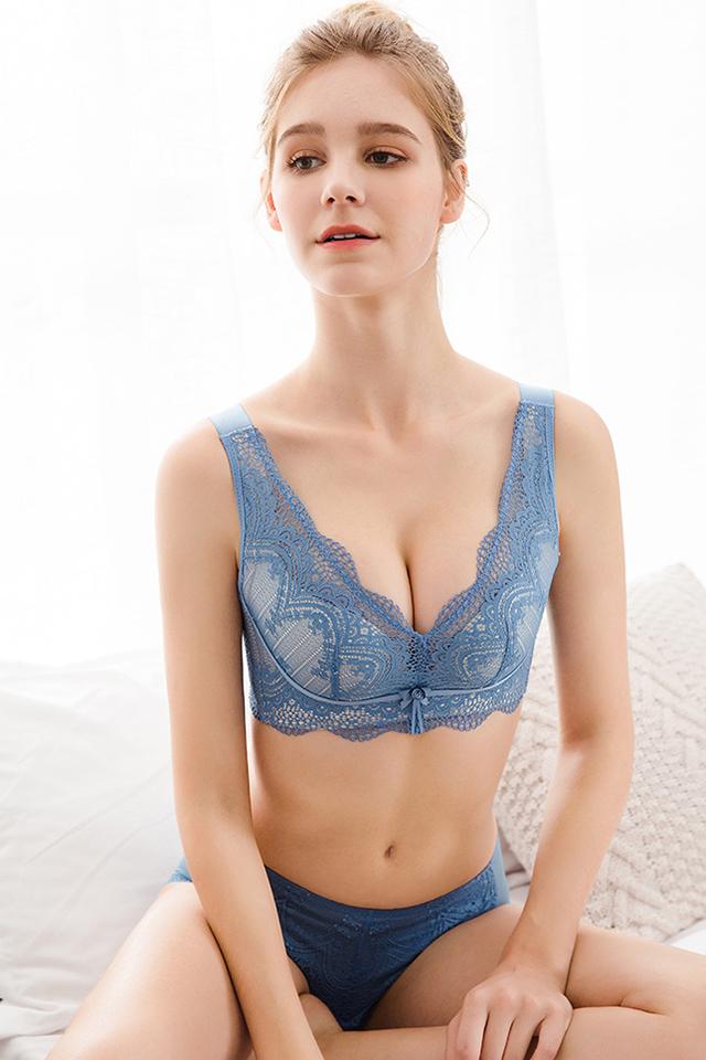 CD杯大胸显小无海绵无钢圈文胸蕾丝薄款文胸女士内衣大码调整型