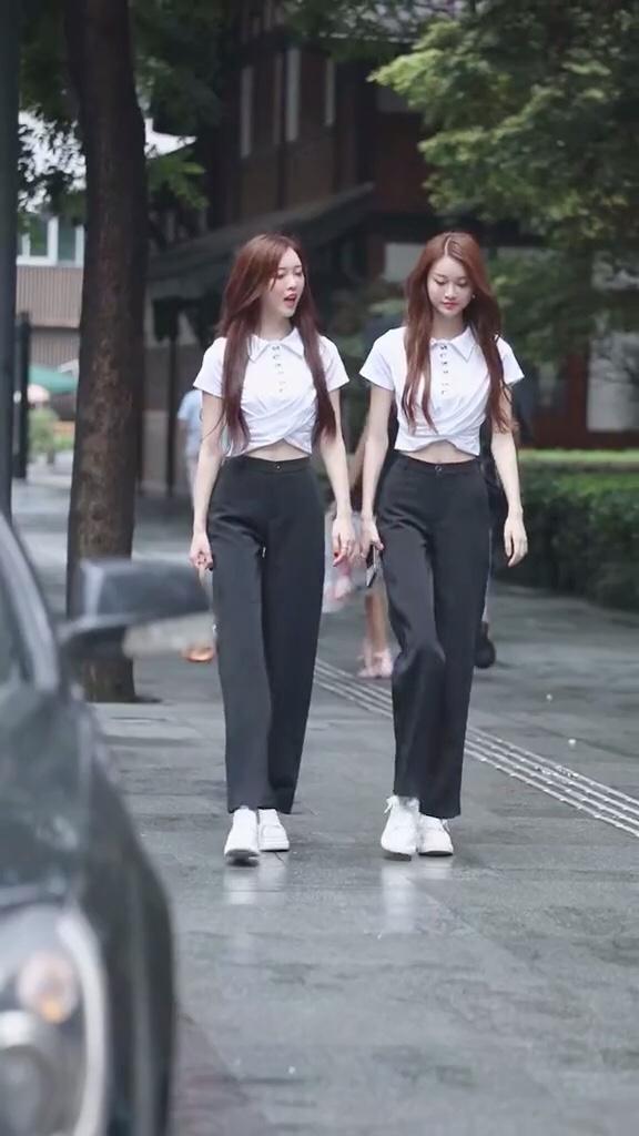 有多少人想给这对双胞胎点赞?#长高10cm:腰线拉高术!#