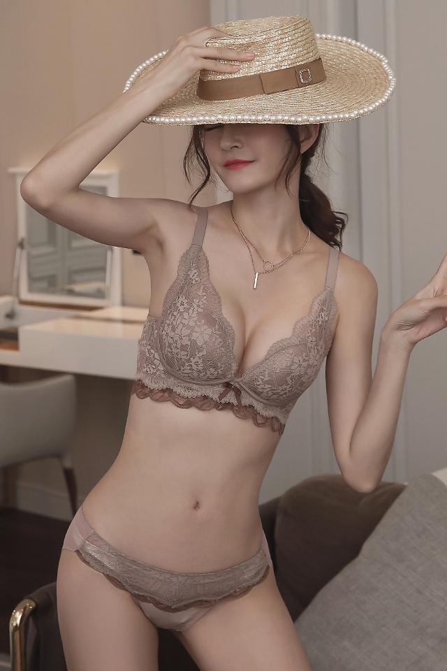 小胸加厚聚拢内衣女无钢圈上托调整型收副乳文胸舒适性感蕾丝胸罩