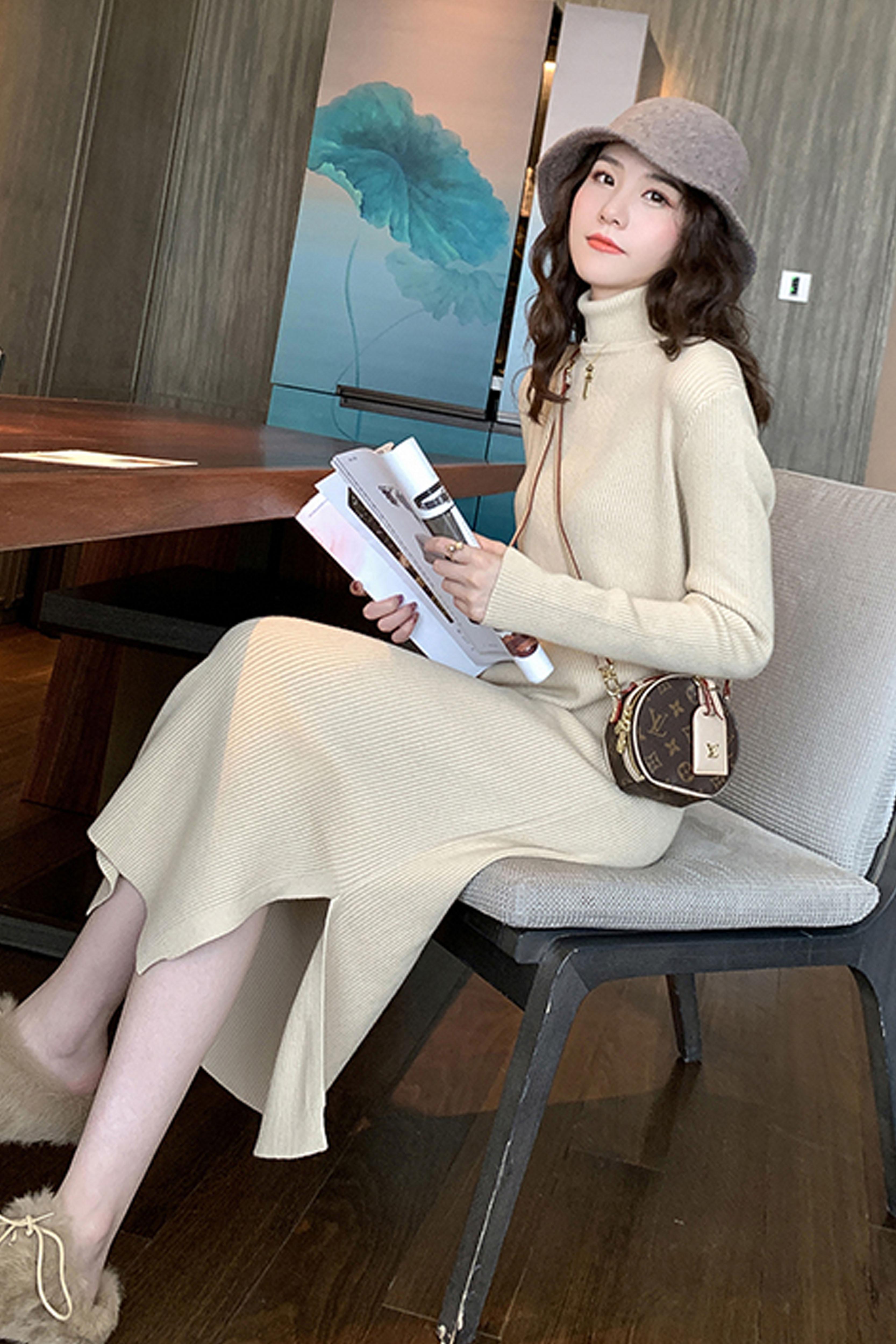 高领长袖针织连衣裙女2019秋季新款女装中长款打底针织连衣裙