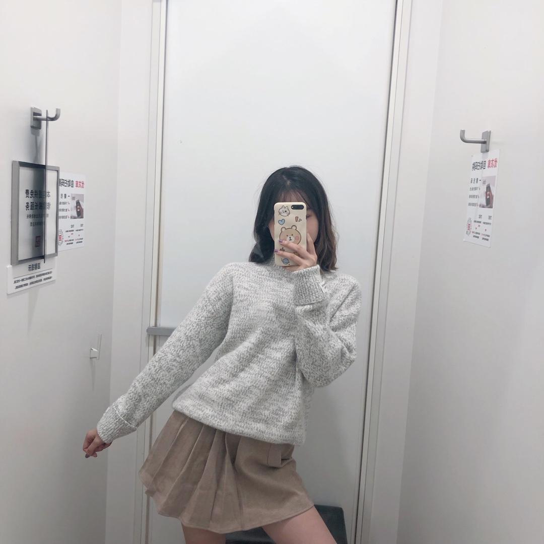 #毛衣热销榜,双11又打折!#纯灰色的毛衣巨好搭配 搭配个裙子一身简约风就出来辣