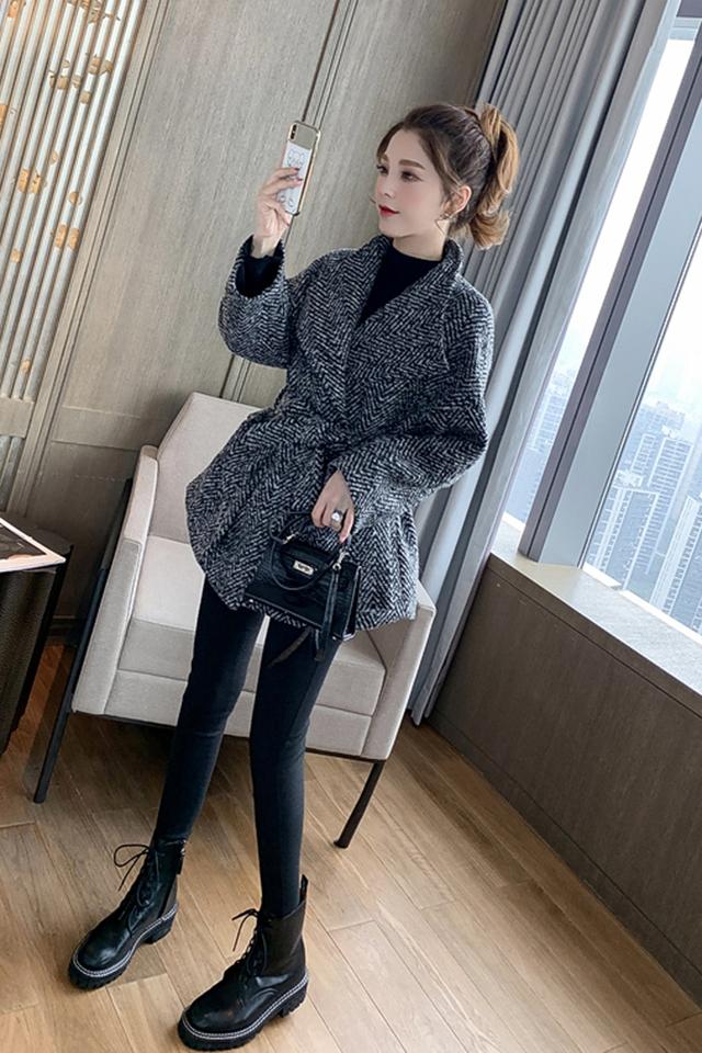 韩版小个子加厚短人字纹呢子大衣针织打底衫黑色牛仔裤三件套套装