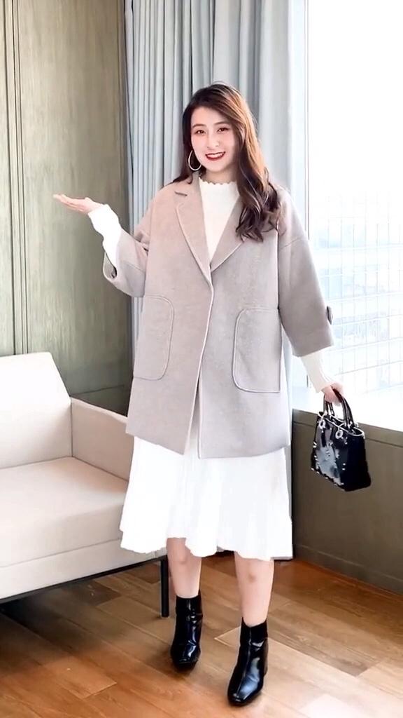 #大降温!你为过冬做了哪些准备?#  话不多说,你会买哪一套呢?微胖女生的日常穿搭,一款打底针织连衣裙超遮肉显瘦有木有?
