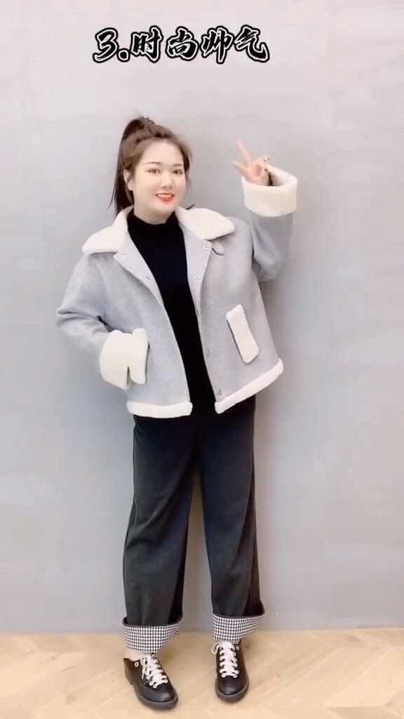 #被评为今年最保暖的外套#  苹果型身材,梨型身材,大象腿都能穿的一款羊羔毛外套,还有这款打底针织连衣裙喔……单穿或者搭配外套大衣都可以呢!