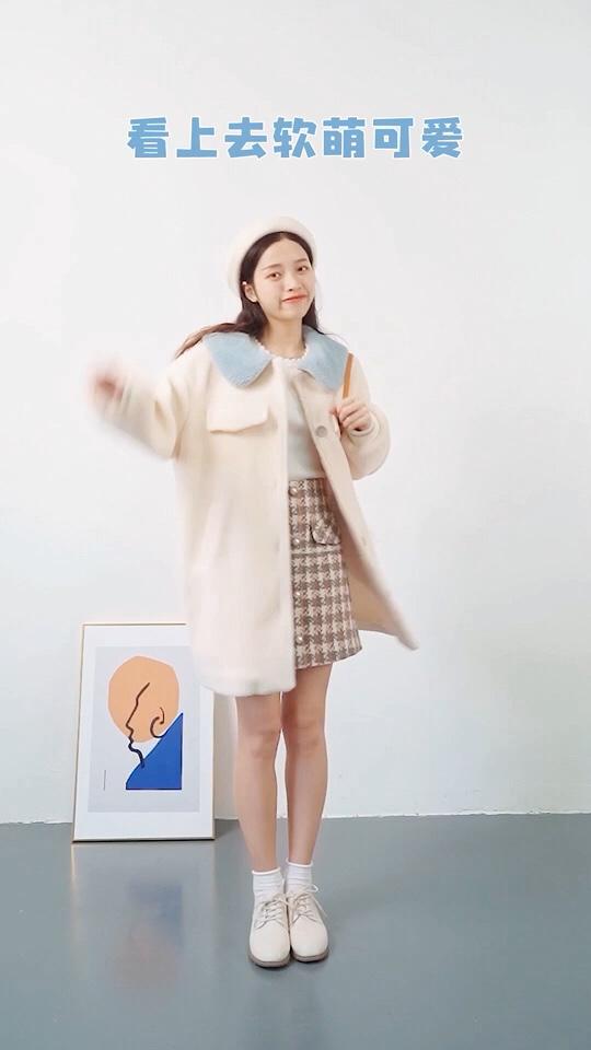 #羊羔毛🐑#  天冷了 要变成毛茸茸的🐑咩咩女孩