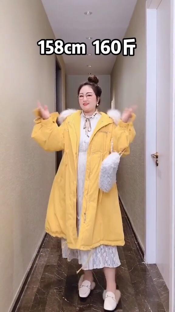 #冬日显瘦大招!好看又遮肉#  拒绝我穿搭的女生,过年前都被冻死了……微胖女生的冬季搭配~你们也不想裸奔着过冬吧,快来看看吧!总有一件适合你