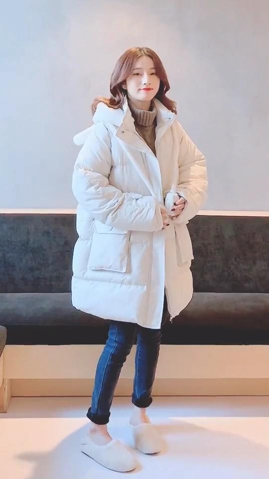 #冬季怕冷更怕胖,阔腿裤救你!# 评论出你的身高体重帮你穿搭哦。么么哒