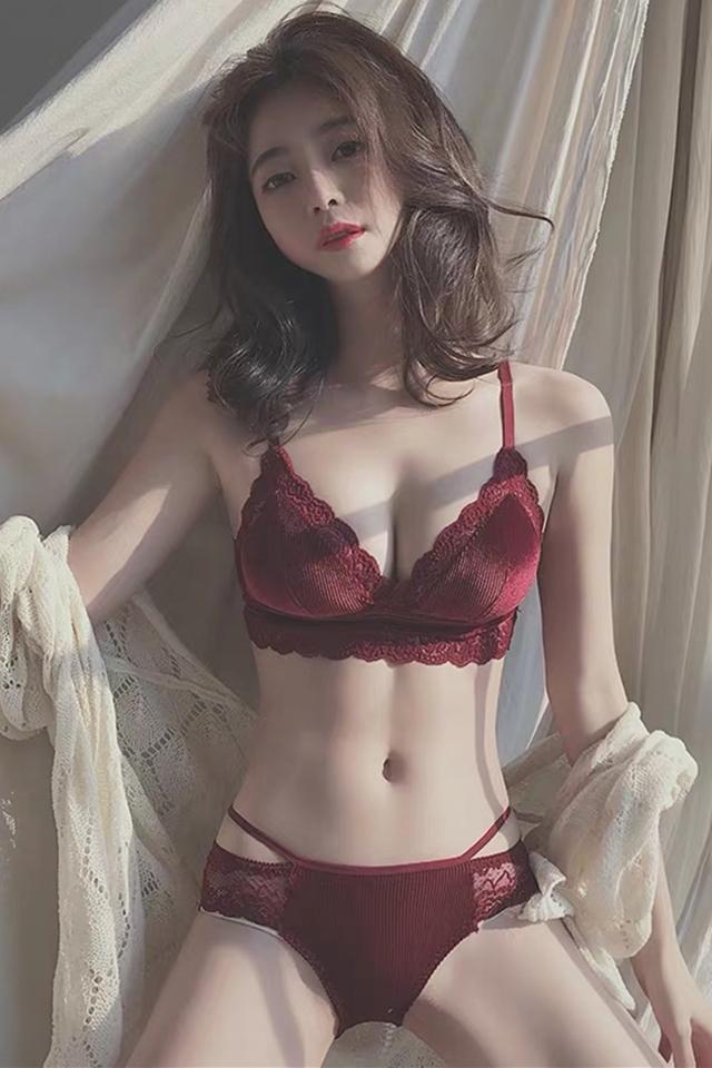 法式蕾丝美背内衣聚拢无钢圈大胸显小薄款三角杯收副乳文胸罩套装