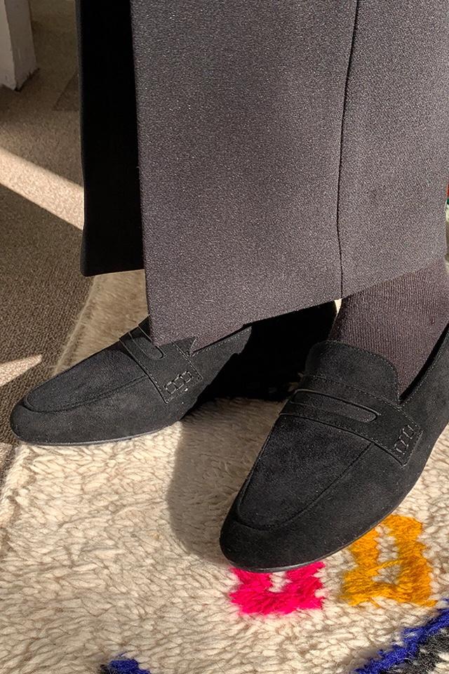 #衣柜里必不可少的单品#가모 콩팥 신발이 다 매치되어 보기 좋다.
