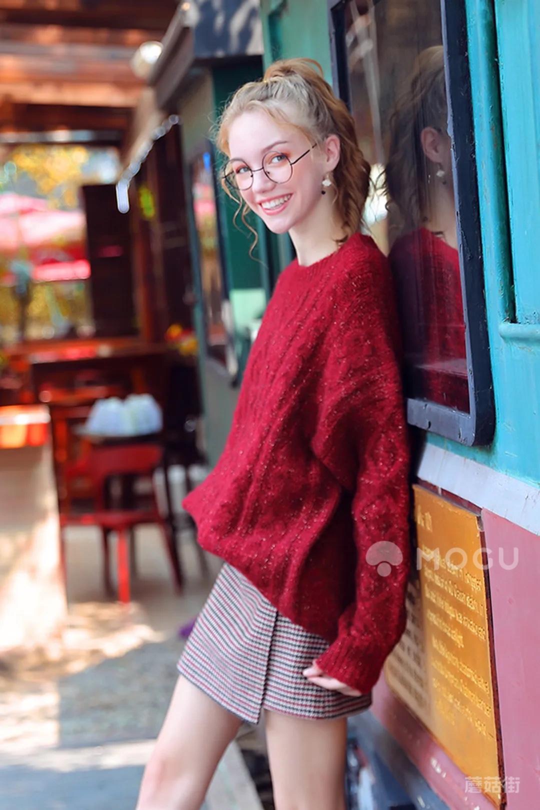 车厘子色的毛衣~新年就要bling~bling的红红火火~哈哈哈哈哈~新年就要开门车厘子红~~~~~#什么值得买#