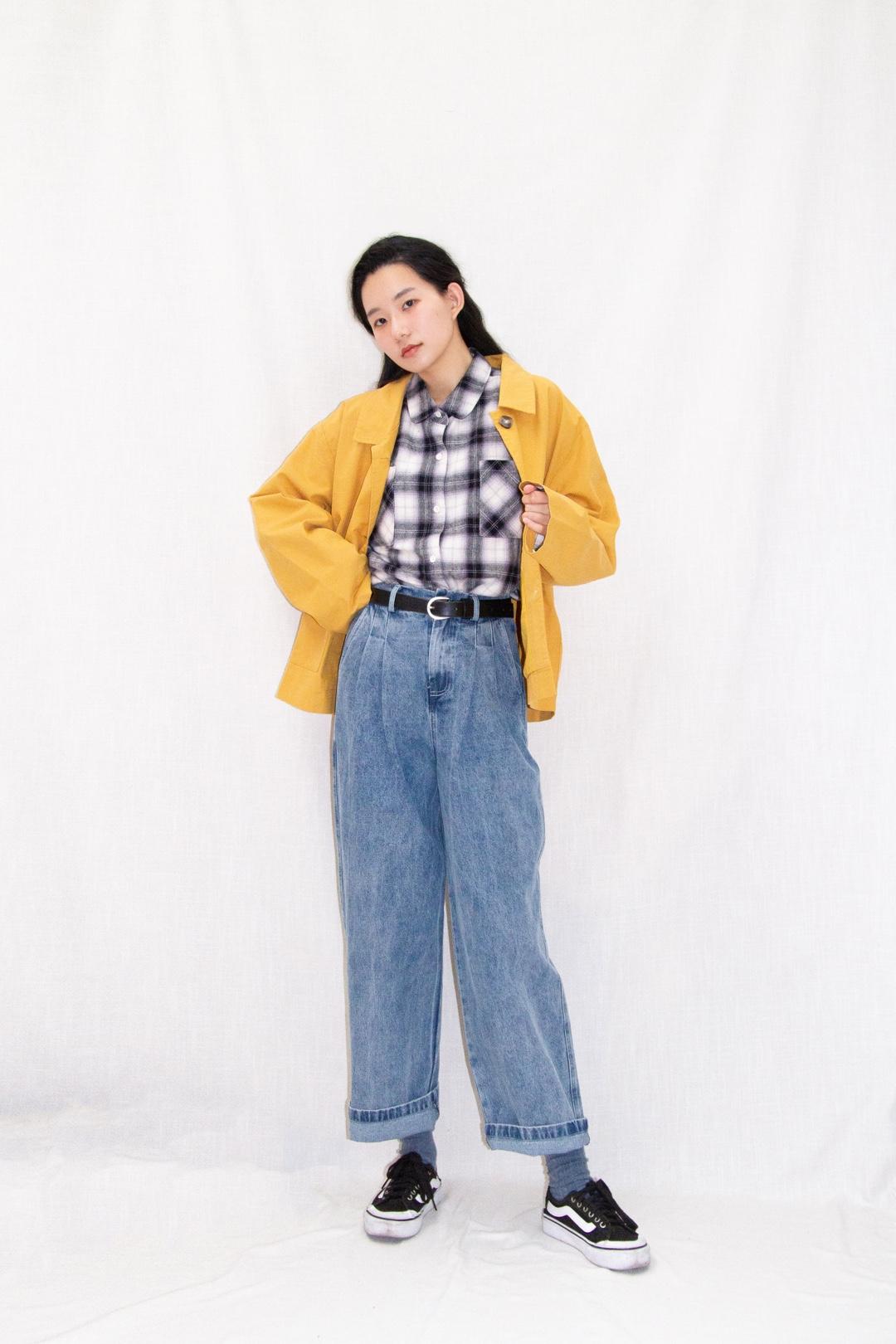 格子衬衫+牛仔长裤 超级酷 配上小风衣 很帅哦 #全民搭配挑战赛#