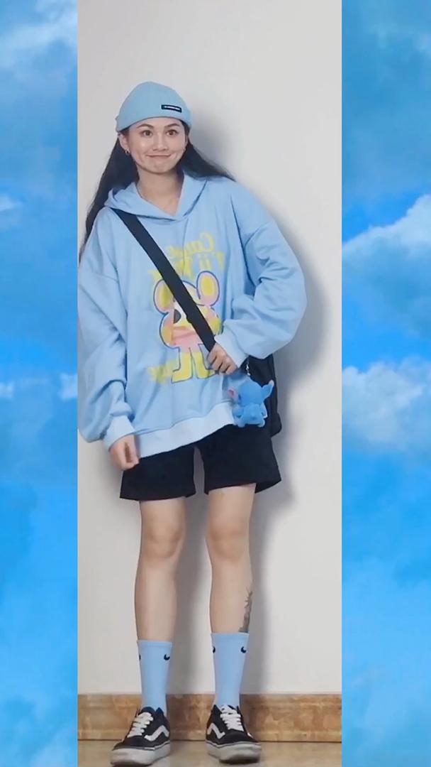 今天依旧分享蓝色穿搭! #100件卫衣合集#