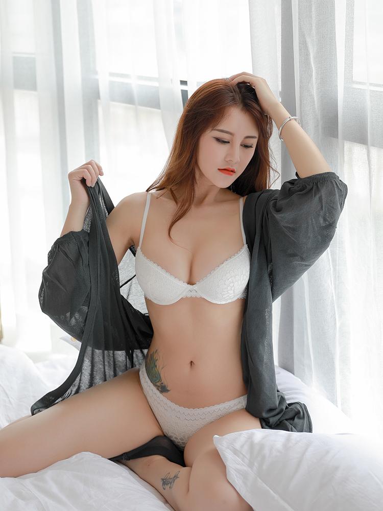 少女美屋法式性感蕾丝女士文胸套装薄款内衣小胸聚拢流行bra