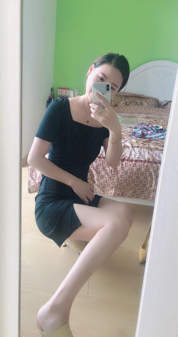 无敌性感的小裙子 长短刚刚好 配平底鞋也好看的呢 #赵哥LL粉丝晒单#