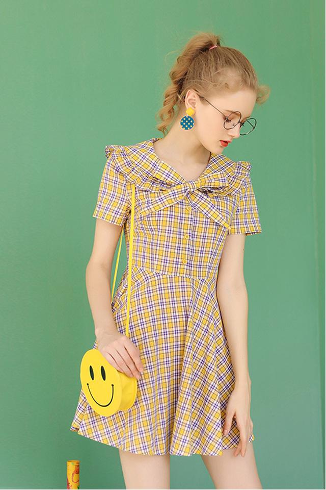高腰线连衣裙收腰森系格子裙2020年夏天新款学生娃娃领裙子女