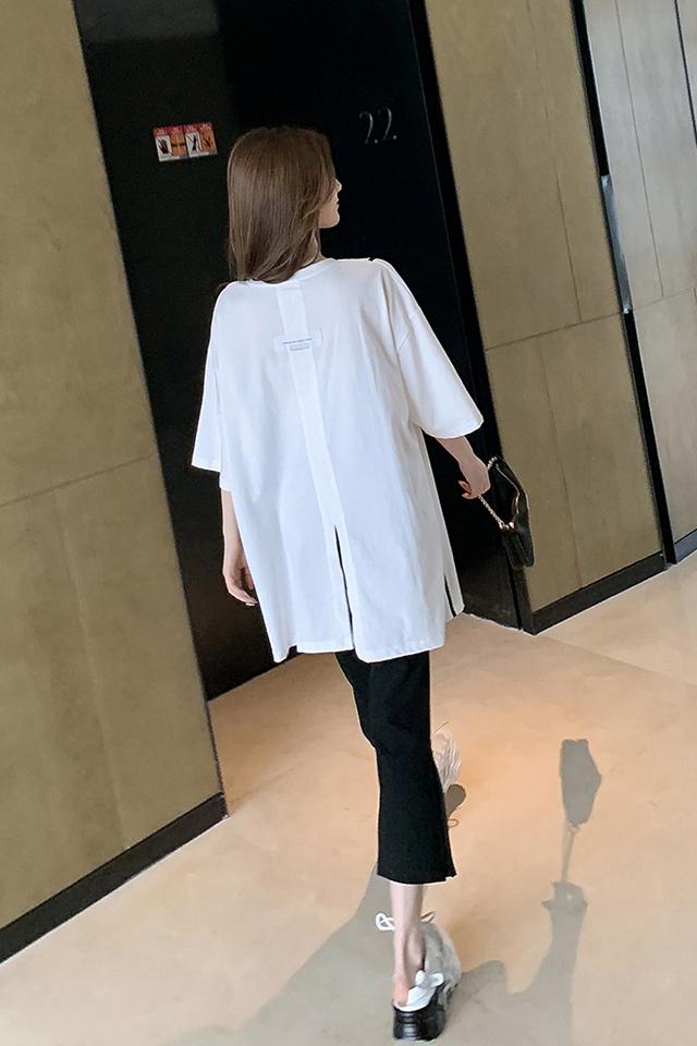 轻熟港味风套装女夏季宽松中长款白色T恤搭高腰休闲七分裤两件套
