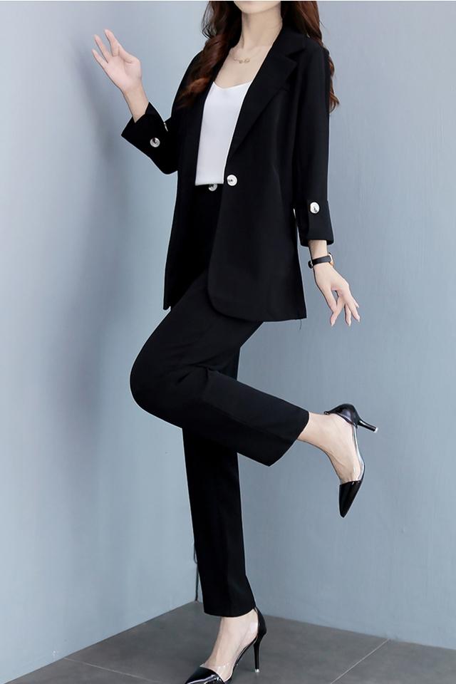 网红白色西装外套女秋新款修身显瘦气质英伦风高端小西服职业套装