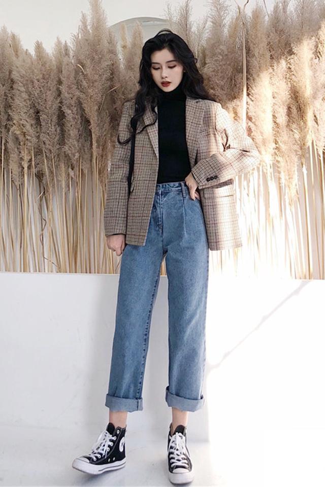 洋气套装女网红御姐职业韩版西装+俏皮牛仔裤配高领打底衫三件套