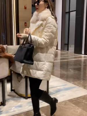 白雪公主气质款羽绒服外套 #羽绒服#