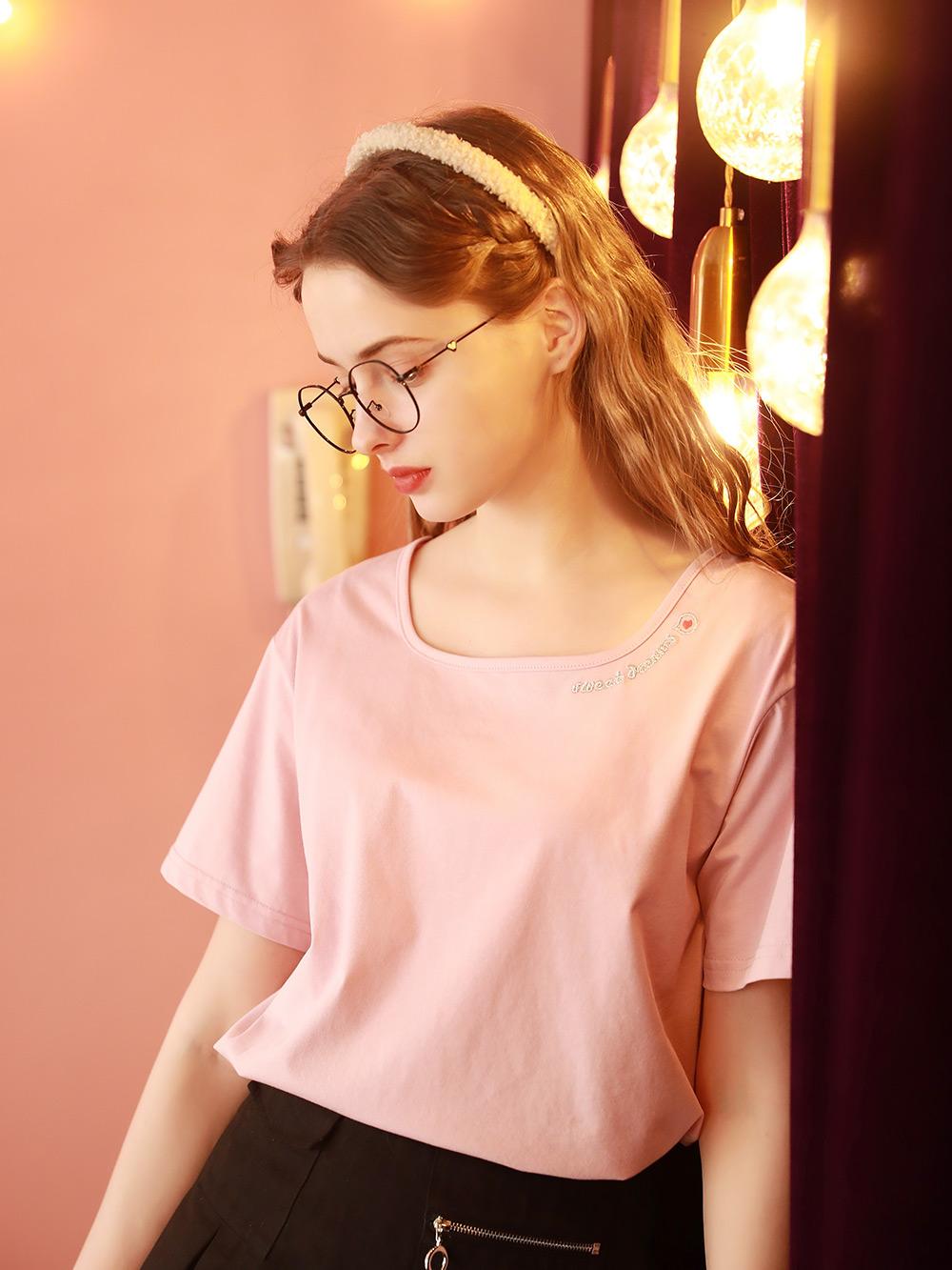 2021早春新款女上衣设计感小众方领短袖T恤洋气粉色夏季体桖