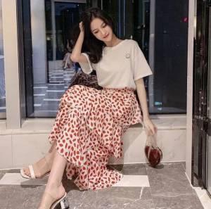 【米粒儿168_】款时尚超仙显瘦长款裙子半身裙T恤学生韩版女 #百元搭一套#