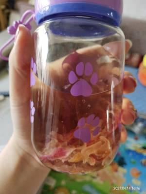 好好喝,喝起来有玫瑰花香味和淡淡的甜味,就连我这个不爱喝水的人今天都喝的肚子撑。😂 #小月月_呀粉丝晒单#