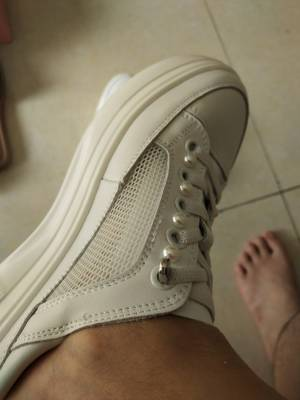 无美颜,无滤镜上脚很好看,显脚小,都路都带风😂 #小甜心_呢粉丝晒单#