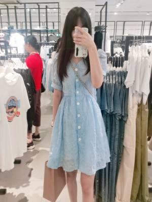 这条裙子真的好好看啊,穿出去朋友都说好看,爱了爱了,跟着cc就能变成小仙女👸👸