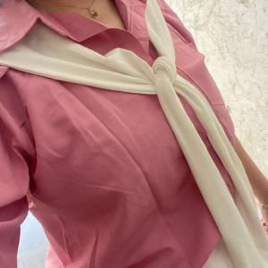 今天穿出去了,亮色顯白顯年輕……拍照好看好看 #橙子西西#