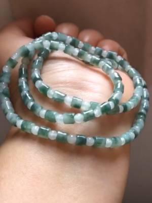 你缺的一条翡翠珠链,可配坠子,可做手链,老料飘花,数量有限,提前预定 胳膊受伤,再休息一天 #配饰就该这么搭#