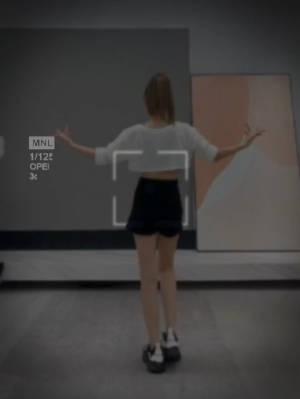 一分钱不花,就能拥有好身材,姐妹们,跟我一起嗨起来吧,此舞蹈看似简单,跳起来很瘦腰的哦,每天来几遍,跟我一起跳,有奖参与(学会此舞蹈的宝贝以扣墙的形式发布出来并且@叶子,扣墙抽10个宝贝送扫地机器人一台)