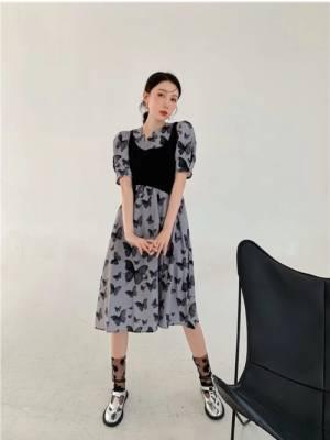 昨日中秋节就穿的这个衣服,挺好看的,又便宜,真不知道那个给差评的人怎么想的 #小月月_呀粉丝晒单#