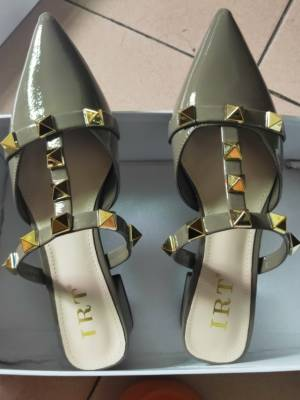 😁好看舒适,经济实惠,鞋型挺好的,材质也不错 #叶子yzzz粉丝晒单#